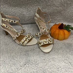 Like new   Vince camuto shoes size 8.5